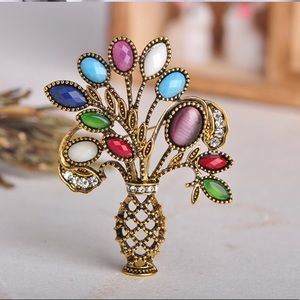 🌟N E W🌟Multicolor Flowers Vase Brooch